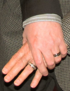 Handsrings01